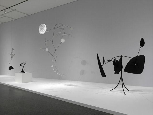 Alexander Calder Installation photograph, Calder: Avant-Garde in Motion Calder: Avant-Garde in Motion, Kunstsammlung Nordrhein–Westfalen, Düsseldorf, Germany, 2013